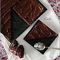 Brownie cru aux amandes & au cacao, glacage a l'avocat