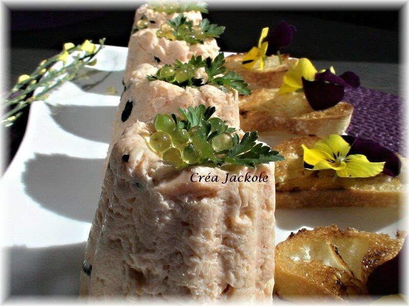 terrine de saumon à l'oseille et perles de citron