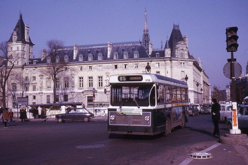 1975_PGR-85-pont-st-michel
