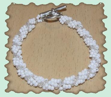 bracelet blanc torsadé