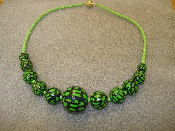 collier fimo vert