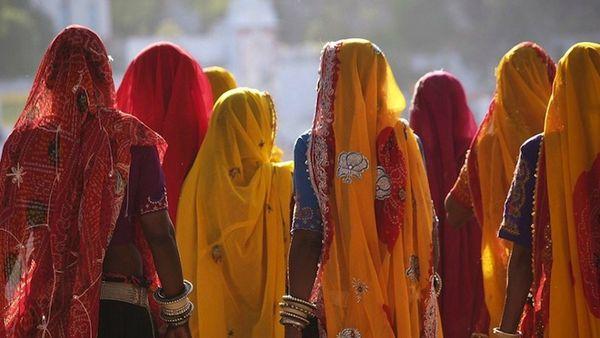 10427-inde_femmes