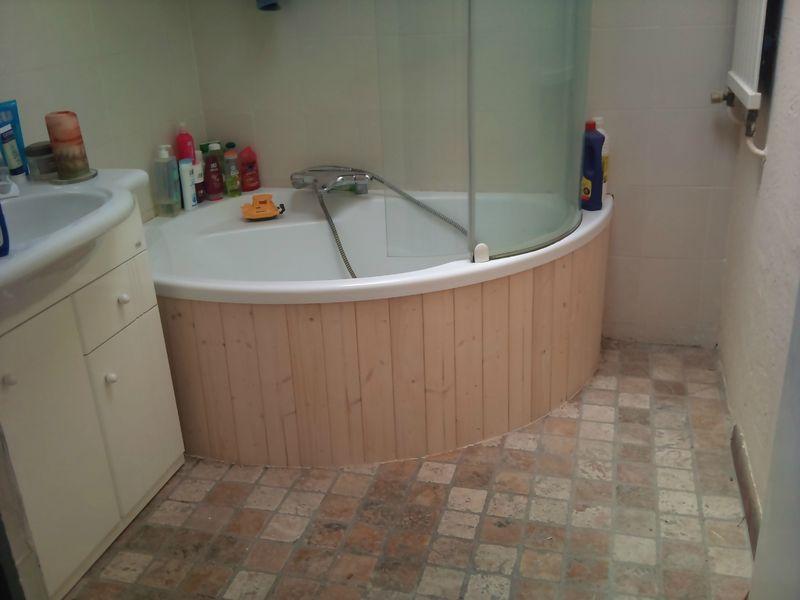 habillage de baignoire d 39 angle et de wc innov 39 d co. Black Bedroom Furniture Sets. Home Design Ideas