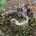 Les enfants de l'école ont créé leur jardin aux mille couleurs