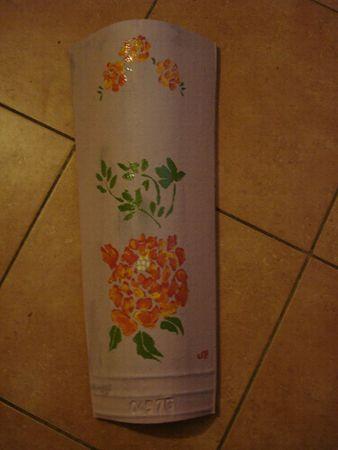 Tuile fleurs oranges
