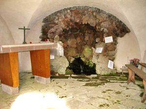 Orcival_chapelle_3a