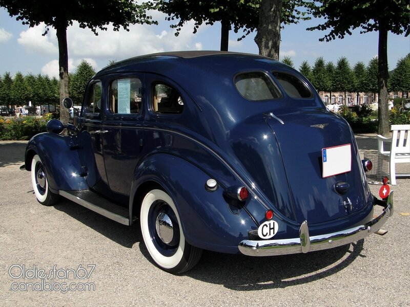 chrysler-p6-4door-sedan-1937-2