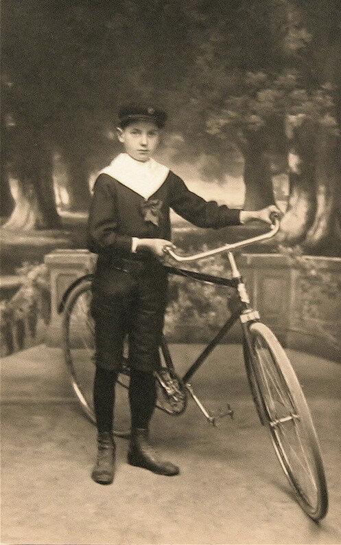 René Renard et sa bicyclette en 1913