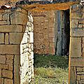 Porte à porte pierres charentaises.