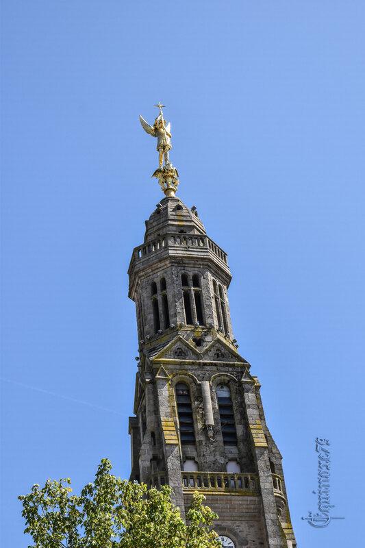 A Saint Michel Mont de Mercure, un ange d'or sur le toit de la Vendée (2)