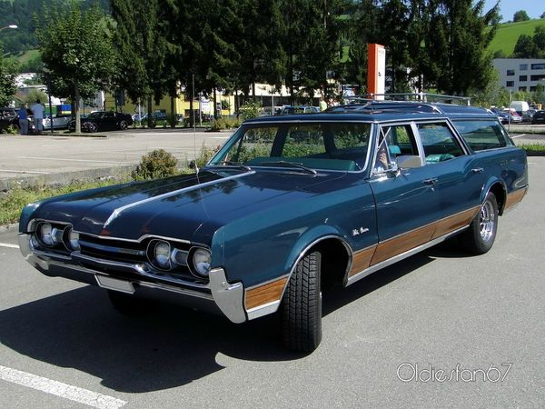 oldsmobile vista cruiser wagon 1967 a