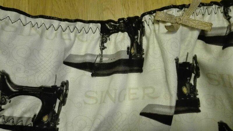 Culotte CHARLOTTE en coton écru imprimé Singer - noeud or - taille L (3)