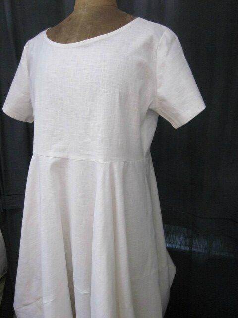 Robe EULALIE en lin blanc (1)