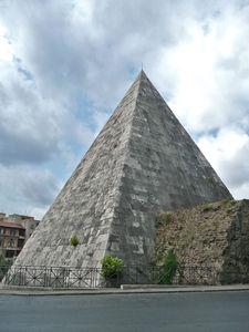 Pyramide_de_Cestius_33
