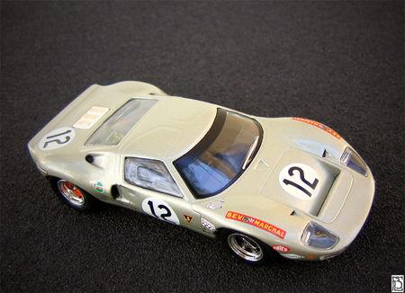 FordGT4012_11