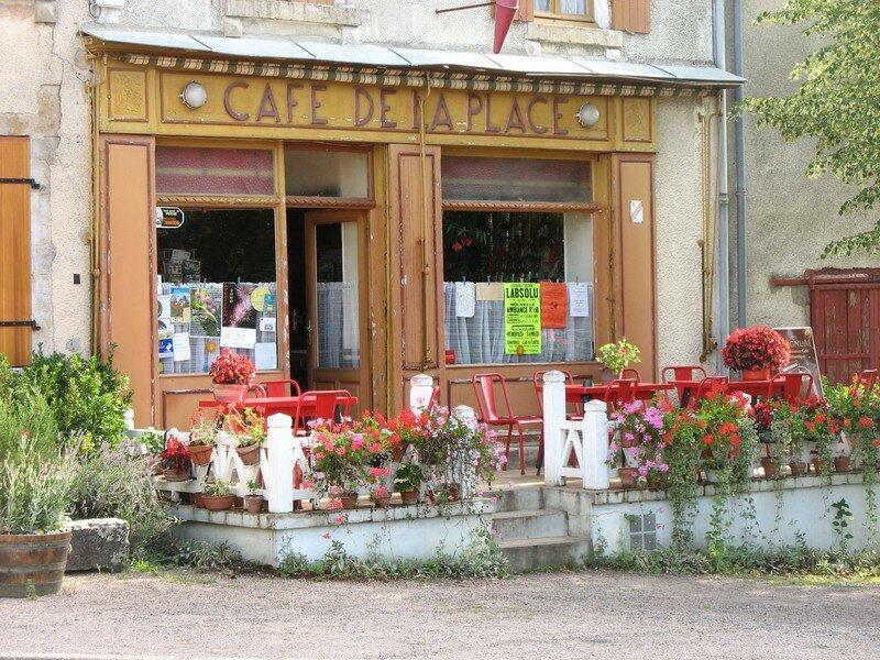 Bazolles, café de la Place (58)