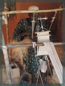 métier à tisser étroit traditionnel pour le BOGOLAN Mali