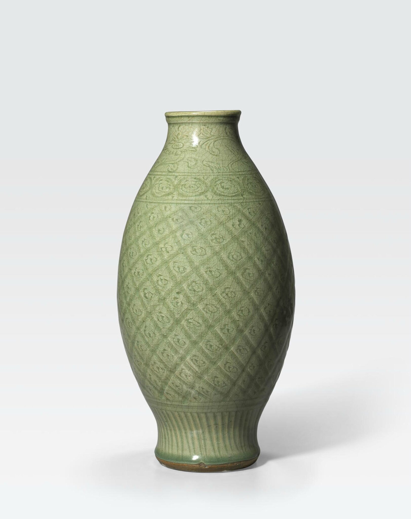 A Longquan celadon glazed ovoid vase, 15th-16th century