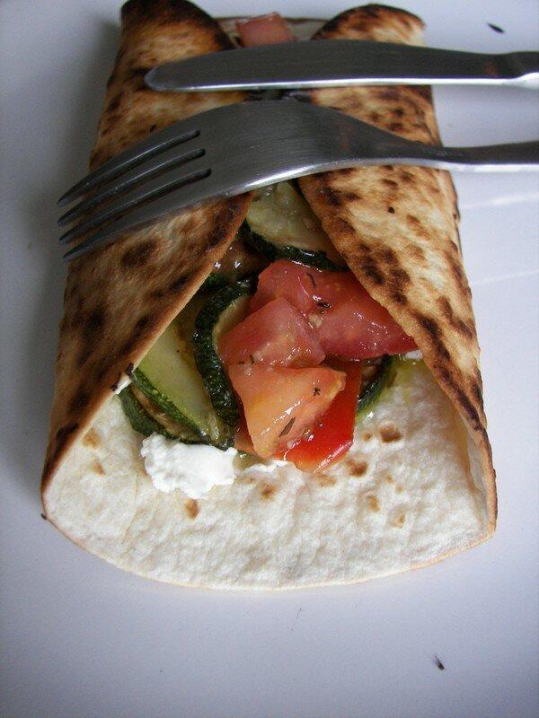 Tortillas aux légumes grillés et au chèvre frais