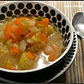 Bouillon aux légumes comme un pot au feu