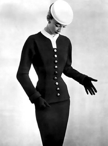 Sophie Malgat in a suit by Balenciaga. Photo: Philippe Pottier,1952.