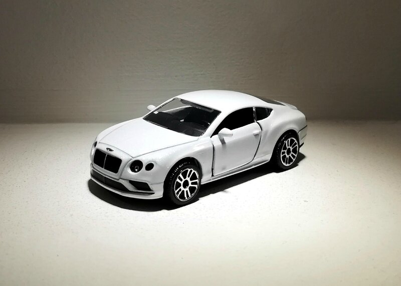 Bentley Continental V-8 S (Majorette) 02