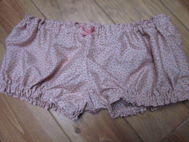 Culotte BIANCA en coton rose à fleurettes - noeud de vichy rouge(6)
