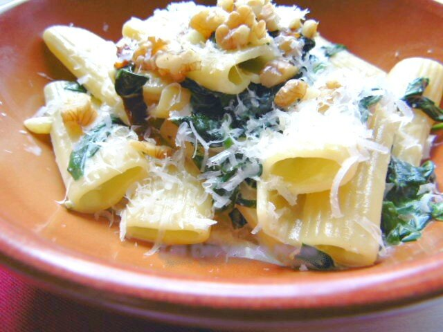 Rigatoni aux épinards, pancetta, noix et sauce au mascarpone 5