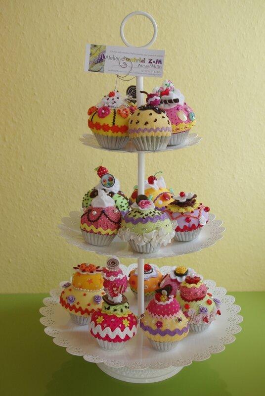 les cupcakes s 39 exportent dans un magasin de tissus l. Black Bedroom Furniture Sets. Home Design Ideas