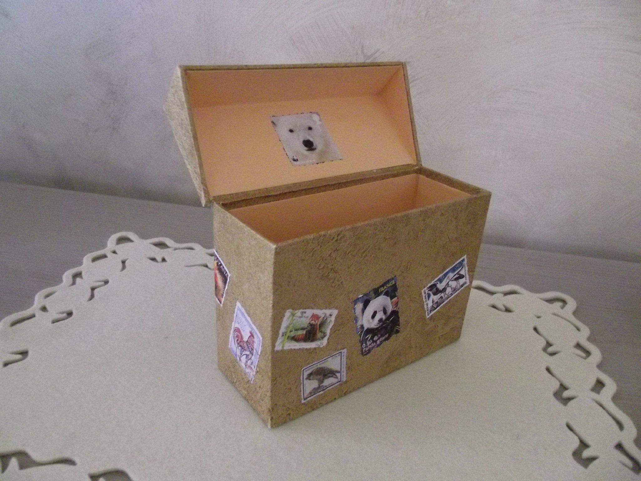 Boite pour enveloppes courrier