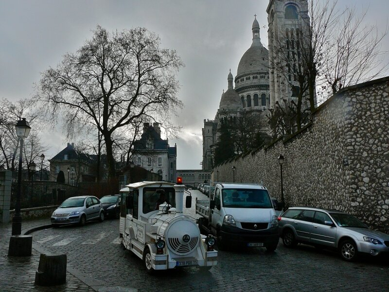 La butte Montmartre aux couleurs hivernales.