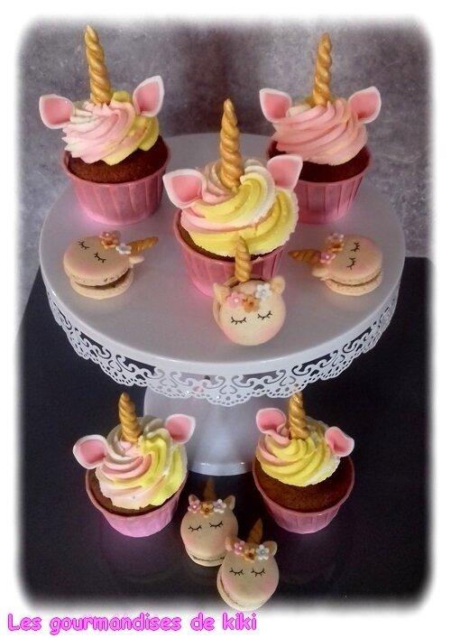 cupcakes et macarons licornes