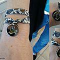 Bracelet double tour, médaille de colombe évidée (argent massif) sur médaille de nacre assortie au ruban