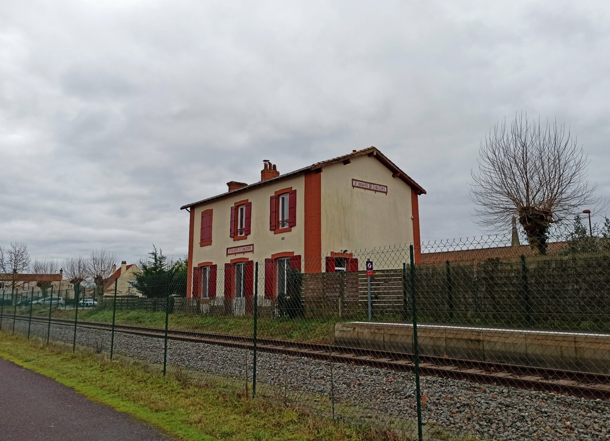 Saint-Hilaire-de-Chaléons (Loire-Atlantique - 44) côté voies