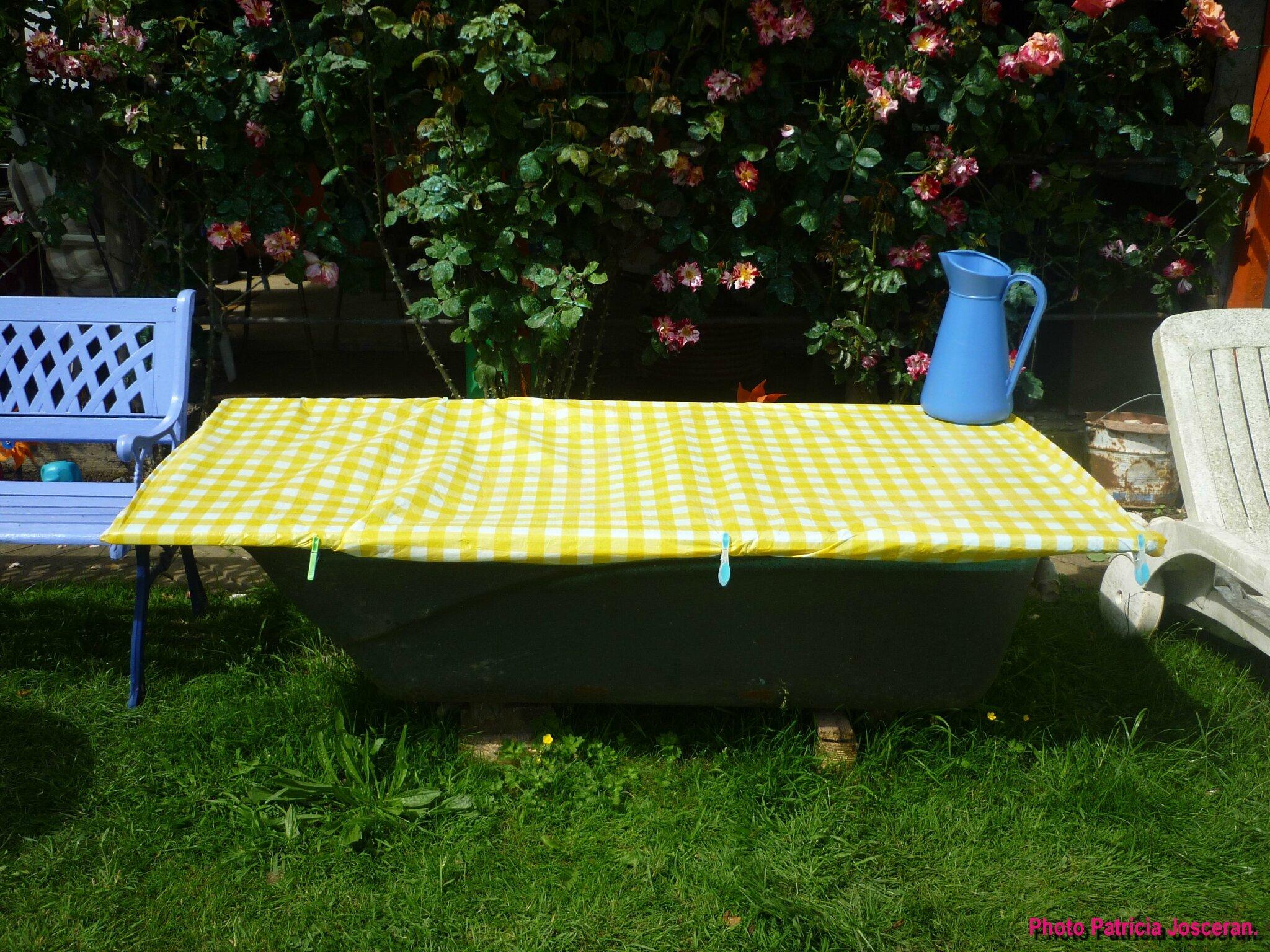 baignoire jardin. Black Bedroom Furniture Sets. Home Design Ideas