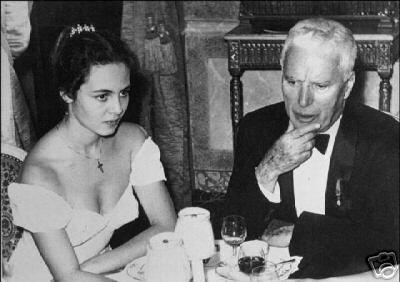 Toute jeune avec Chaplin chez Maxim's