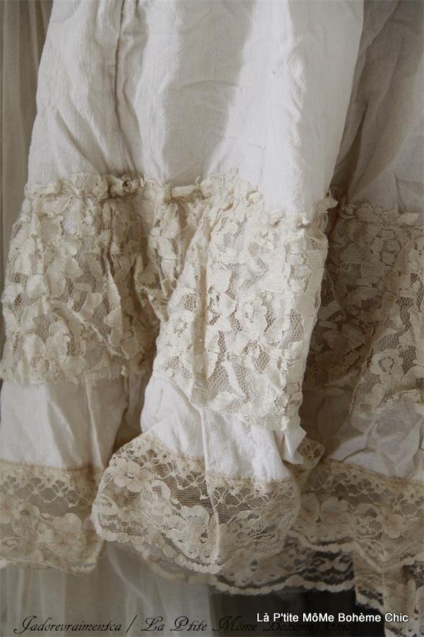 800120.Jeanne D'arc vintage blouse with lace.02.JPG