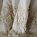 800120.Jeanne D'arc vintage blouse with lace.02.JPG