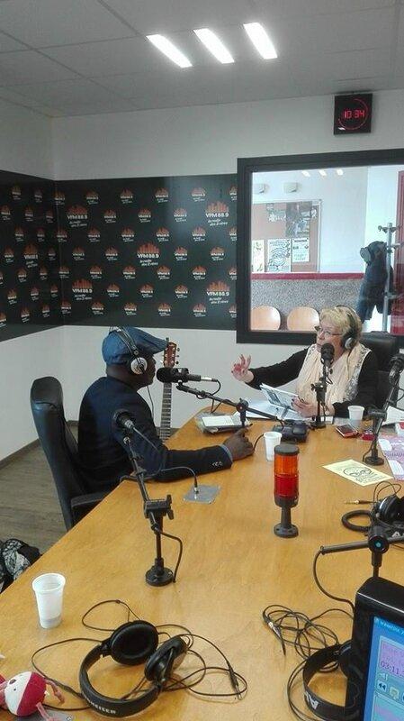 Monique et Juvénal lors de l'émission radio 2