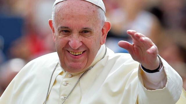 le-pape-francois-le-16-septembre-2015-au-vatican_5418007