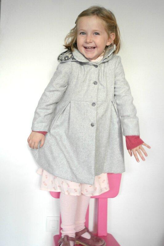 Manteau gris Liberty porté_Chut Charlotte (5)