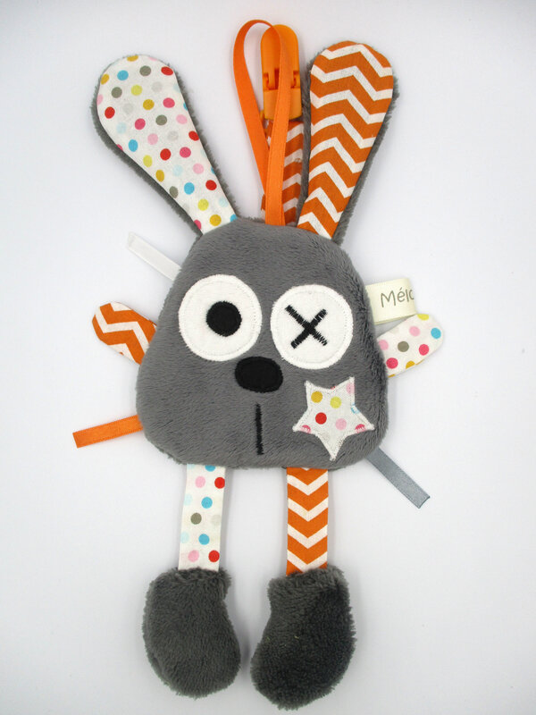 lapin_attache_t_tine_gris_orange_blanc__1_