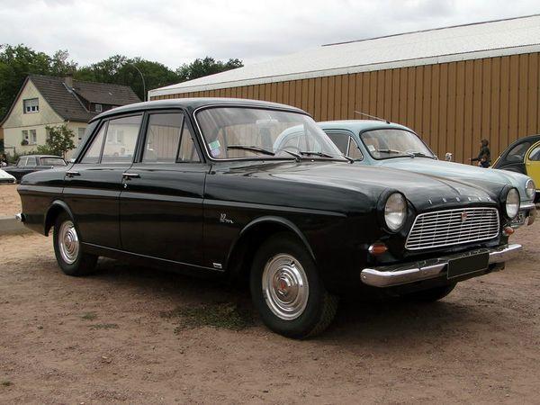 ford taunus 12m p4 4 portes 1962 b