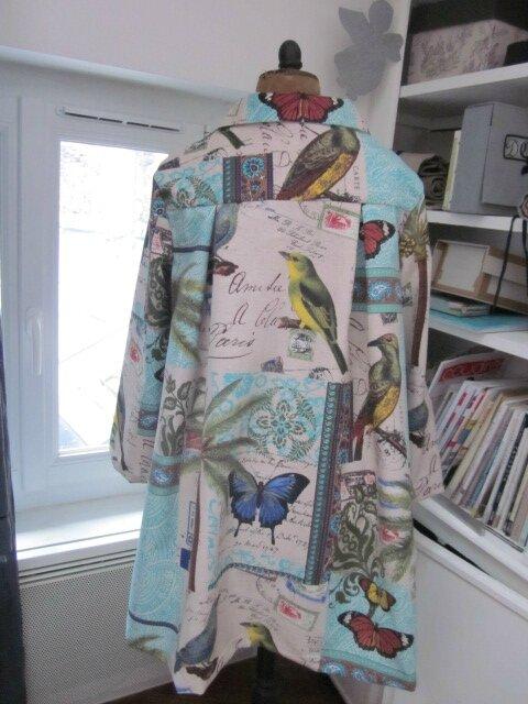 Manteau AGLAE en coton couleur lin imprimé oiseaux et papillons turquoise - Noeud de lin bleu france (6)