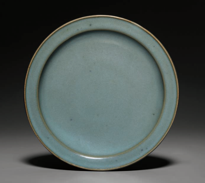A Jun shallow-dish, Northern Song-Jin dynasty (AD 960-1234)