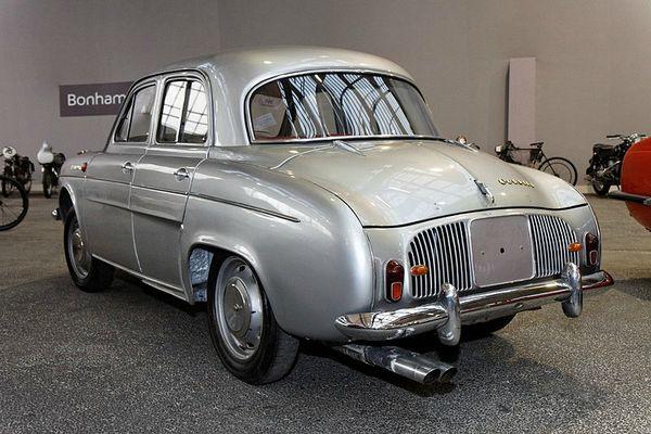 800px-Bonhams_-_The_Paris_Sale_2012_-_Renault_Dauphine_Gordini_Saloon_-_1964_-_006