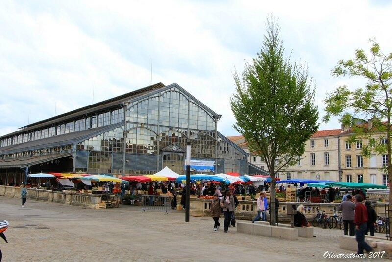 Marché et Halles de Niort / Market and Halls of Niort