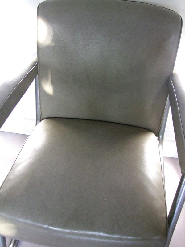 Fauteuil-vintage-Roneo