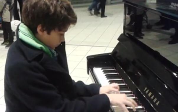 pianos en gare