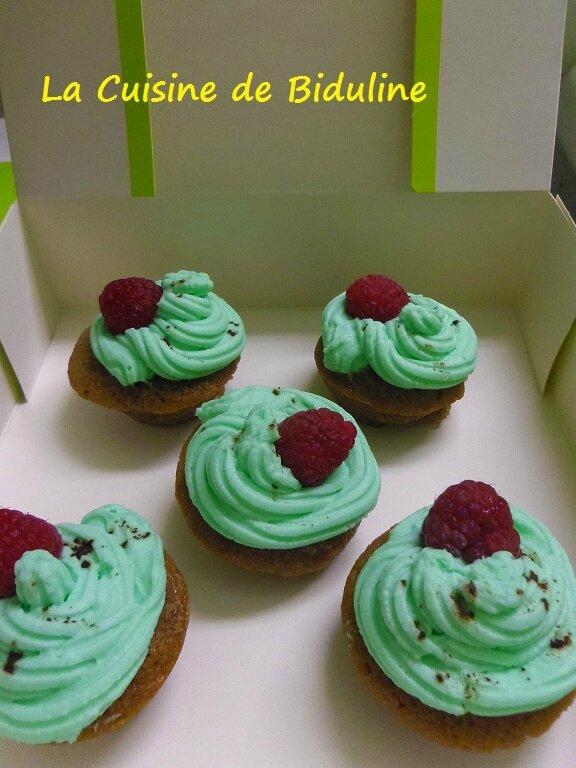 Mini Cupcakes Choco/coeur framboise - Topping saveur pistache - La Cuisine de Biduline